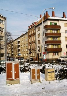 City Rooming : Claudia Kappenberger #stickers #cityrooming #furniture #art #street #karlsruhe