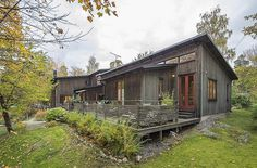 Symbiosis Of Wood And Glass: Fascinating Swedish Villa #wood #architecture