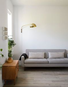 Mid-century modern living room. © Matthew Williams. #livingroom #midcenturymodern