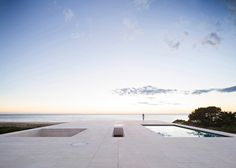 "House by Alberto Campo Baeza designed as ""a jetty facing out to sea"" #white #house #pool #cadiz #sea #architecture #horizon #beach"