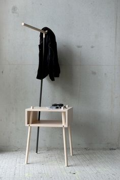 Kirin | Stilsucht #interior #design #table #coathanger