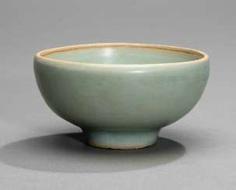 Celadon colors glazed bowl from Longquan-Ware #Sets #Teasets #Porcelainsets #Antiqueplates #Plates #Wallplates #Figures #Porcelainfigurines #porcelain