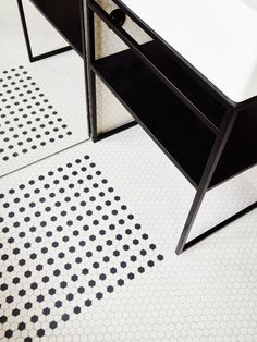 Hexagonal mosaic. Hubert by Septembre. Photo by David Foessel. #mosaic #upspicks