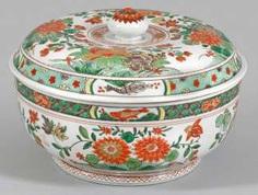 Famille verte-lid vessel #Sets #Teasets #Porcelainsets #Antiqueplates #Plates #Wallplates #Figures #Porcelainfigurines #porcelain