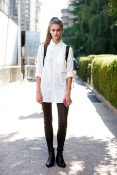 Model Street Style:Taylor Marie Hill's Classic White Shirt - The Front Row View
