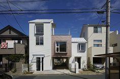 Sandwich Apartment by Ikeda Yukie Architects