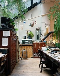 The Black Workshop #interior #design #decoration #deco