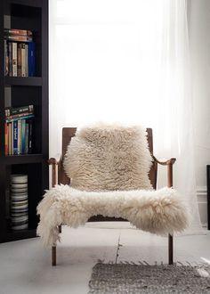 Anne Claire Rohé Photography sheepskin #interior #design #decor #deco #decoration