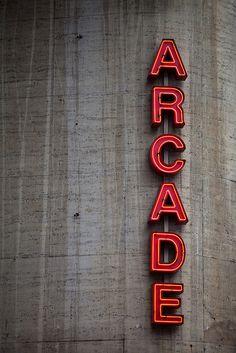 Typography(ARCADE, viatiefgang) #typography