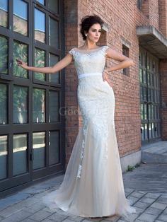 Robe de mariée longue avec manche courte decoration en fleur avec zip de traîne courte