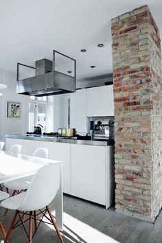 The Design Chaser: Interior Brick | Raw