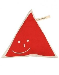Triangle - ELLE - Deco - Elle #red #rouge #pillow #smile #triangle #coussin