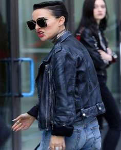 Natalie Portman Vox Lux Motorcycle Leather Jacket (6)
