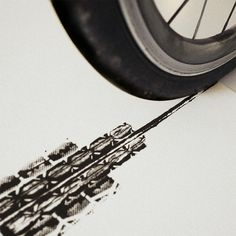 The Empire State Building Made from Bicycle Tracks – Fubiz™ #limited #bicycle #print #tire #empire #the #wheel #building #state #track #poster #painting #bike #art