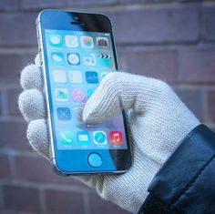 Mujjo Knitted Touchscreen Gloves #touch #iphone #gadget #gloves