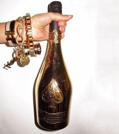 Tittysandpancakes #gold #champagne