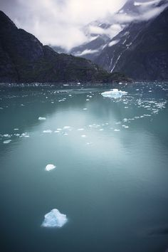 Sleepless Dreams #photography #ice #lake #water #cold #winter #frozen #floating #mountains #landscape #nature
