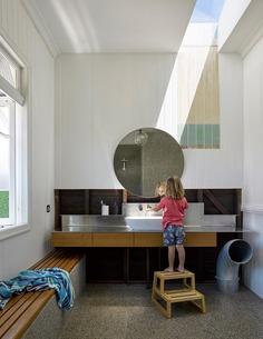 bathroom / Kieron Gait Architects