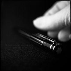 Compass of the aesthetic sense | Flickr: Intercambio de fotos #white #montblanc #black #minimalism #jordi #esteban #thomas #photography #mann #and