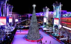 15 Christmas tree in Los Angeles and Staples center