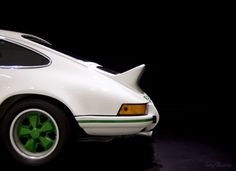goingspartacus:One of my favorite Porsche, one of the first 911 RS from the 70's.