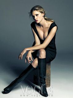 Lara Stone #lara #pretty #black
