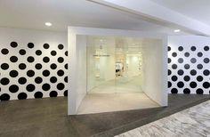 comme-des-garcons-singapore-club21-hilton-1.jpg 1139×750 pixels #interior #garcons #des #comme