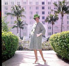 http://blog.wanken.com/9030/womens-fashion-of-the-60s/
