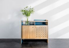 cupboard LIKO - plywood + oak veneer in combination with plywood + HPL - David Boon