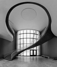 2202907_oyOewAvU_c.jpg (Imagem JPEG, 500x588 pixéis) #white #black #architecture #minimal #and