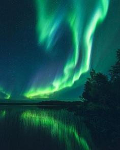 Photographer Jani Ylinampa Captures The Northern Lights in Finland