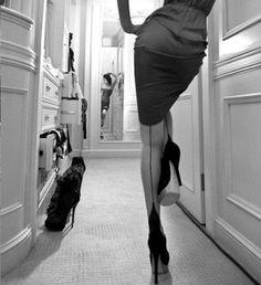 tumblr_lygcagPq721qij4o1o1_500.jpg 466 × 510 Pixel #stockings #photography #heels