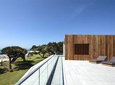 Sorrento Beach House - InteriorZine #architecture #house #home #decor