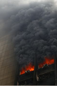 vertical dissent:Intense Vertical Blog. #photo #skyscraper #photography #fire #building #disaster
