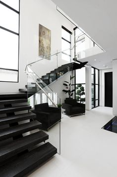 l u x e #inspiration #stairs #architecture #black