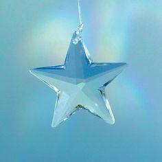 Prisma di Cristallo Swarovski con la capacità di modulazione della luce del prisma che aiuta ad aumentare ed equilibrare l'energia psichica #cristalli #swarovski #prisma #feng #shui