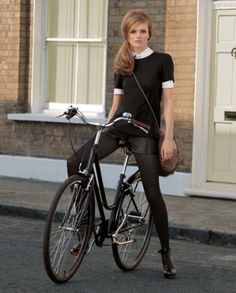★Baubauhaus. #bike #photography #girl