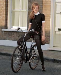 ★Baubauhaus. #bike #photography #girl