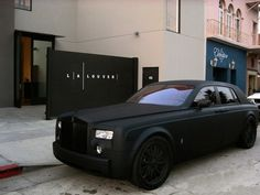 Dailymovement #phantom #black #royce #rolls #car