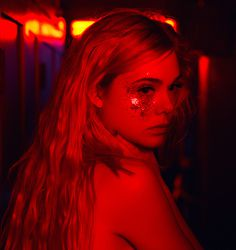 red neon demon