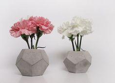 concrete vase by frauklarer  www.frauklarer.com