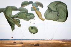 parachute #parachute #parachutes #sky #air #fly #military #green #sand