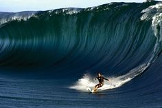 A Brief History of Surfing · Stampsy #sufing #kelly #wall #slater #barrel