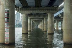 Manuel Alvarez Diestro Captures Stunning Photos of Seoul's Bridges