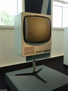 Braun FS80-1 | Flickr - Photo Sharing! #television #design #1960s #industrial #braun #rams #dieter