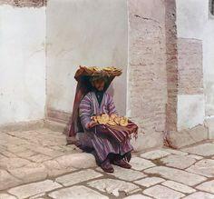 colourofearth:Flat breads vendor. Russia, Samarkand, 1911. #breads