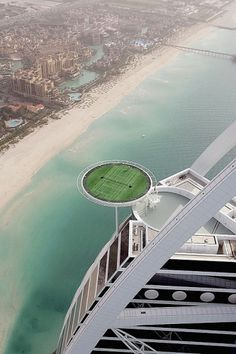 Dubai builds World's Highest Tennis Court in Burj al-Arab | flylyf #dubai #tennis