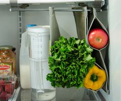 Fabrack is an expandable, hanging storage solution for the refrigerator, that prevents food from being crushed or forgotten. #fabrack #veggie #vegetable #water #family #fruit #trash #waste #food #organize #display #preserve #kitchen #foodwaste #produce #organization