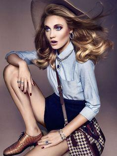 Charlotte di Calypso для декабрьского Spanish Vogue Joyas #model #girl #photography #portrait #fashion #beauty