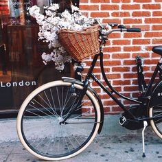 Likes | Tumblr #inspiration #basket #bike #flowers